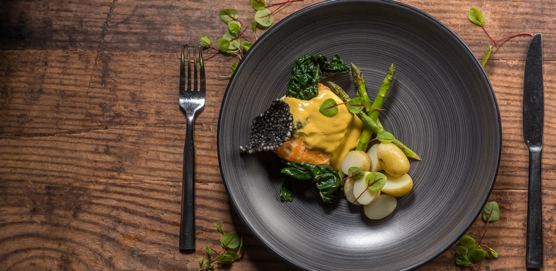 Poached Salmon with Asparagus, Jersey Royals and Hollandaise Sauce