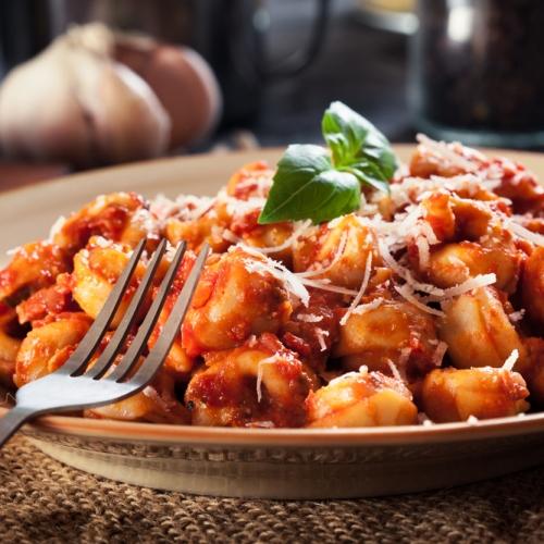Spinach and Ricotta Tortellini in a Tomato Sauce